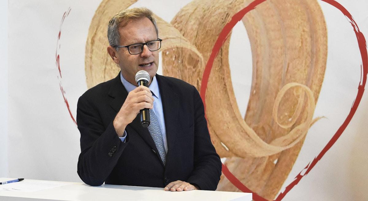 Gian Angelo Bellati interviene ad Arredamont - Longarone Fiere